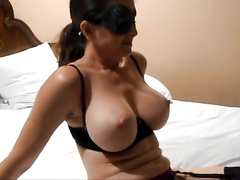 Voluptuous cuckold wife enjoys a BBC